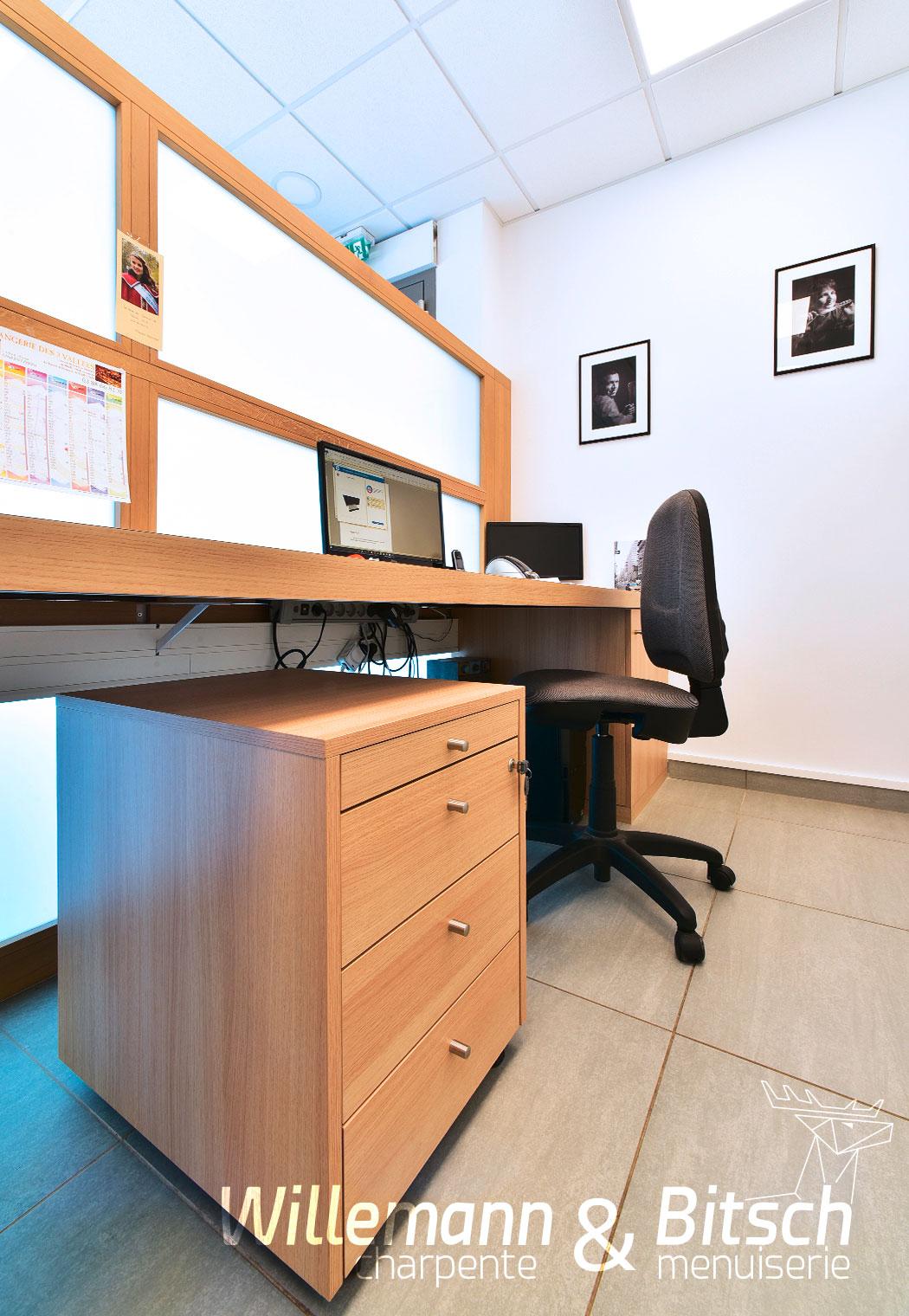 Cernay - espace de travail avec mobilié personnalisable pratique et adapté à votre quotidien