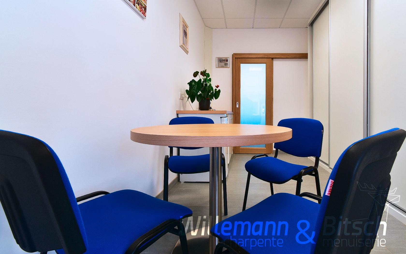 Cernay 68 - espace détente - porte coulissante et salle de repas