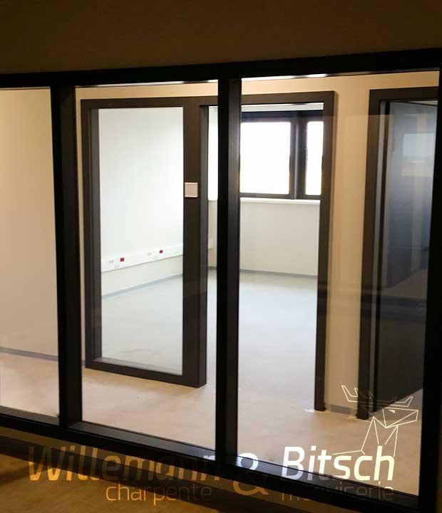 surfaces vitrées commerciaux bureaux apport de lumière
